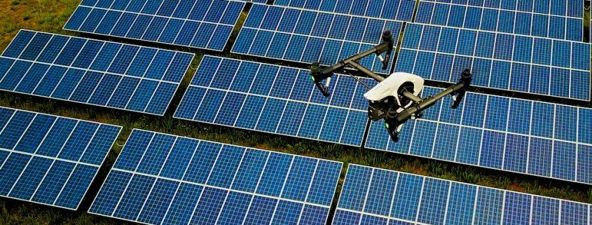 Drones painéis solares